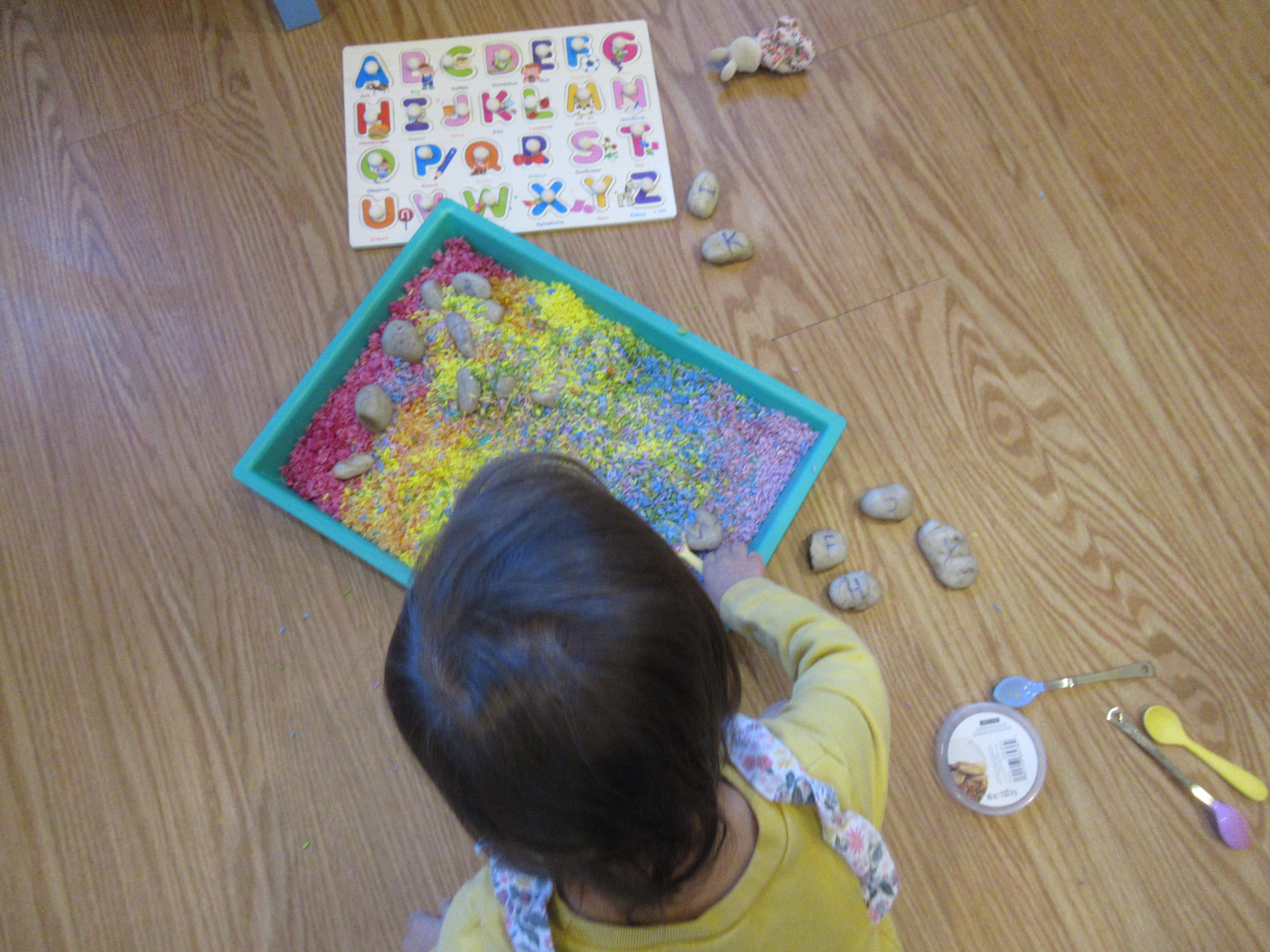 Rainbow Rice Letter Tray (11)